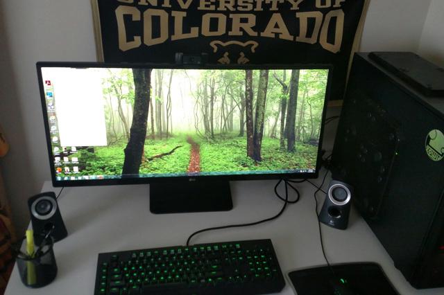 PC_Desk_UltlaWideMonitor12_54.jpg