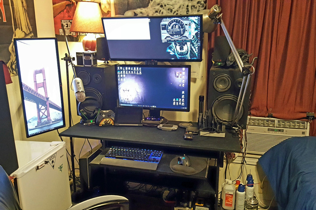 PC_Desk_UltlaWideMonitor12_63.jpg