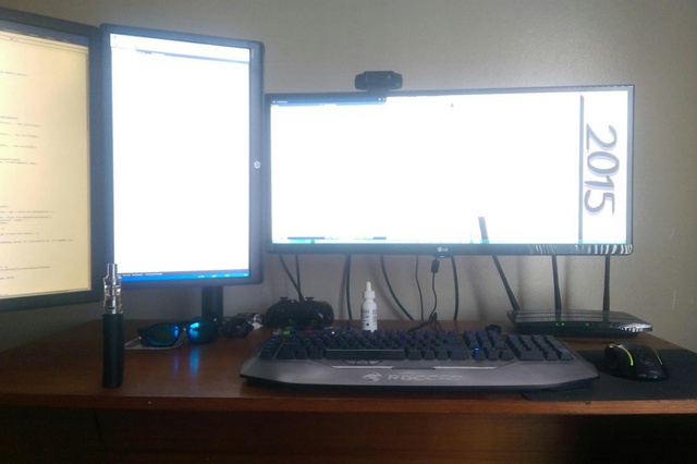 PC_Desk_UltlaWideMonitor12_78.jpg