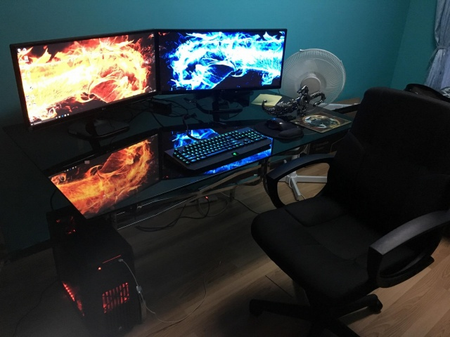 PC_Desk_UltlaWideMonitor13_38.jpg