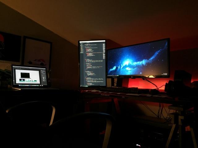 PC_Desk_UltlaWideMonitor13_79.jpg