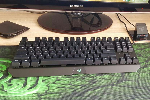 Razer_BlackWidow_X_Tournament_Edition_03.jpg