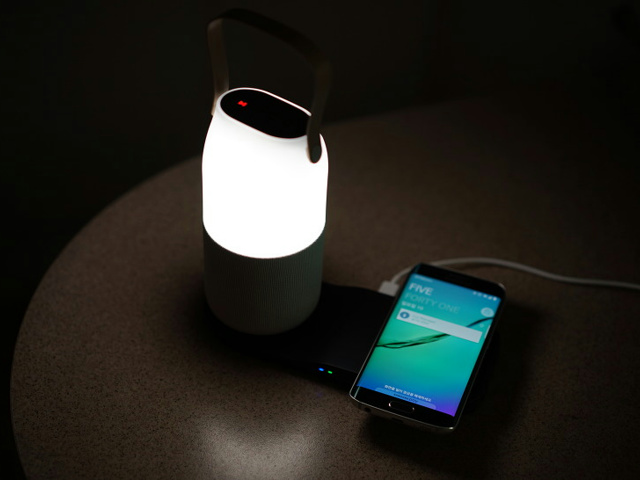 Samsung_Bottle_Speaker_10.jpg