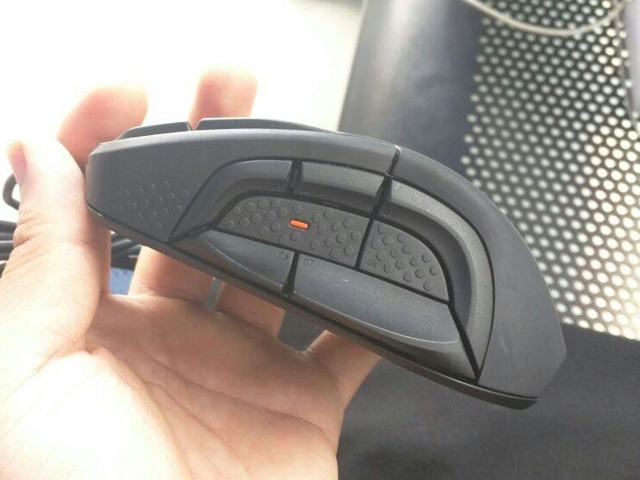 SteelSeries_Rival_500_07.jpg