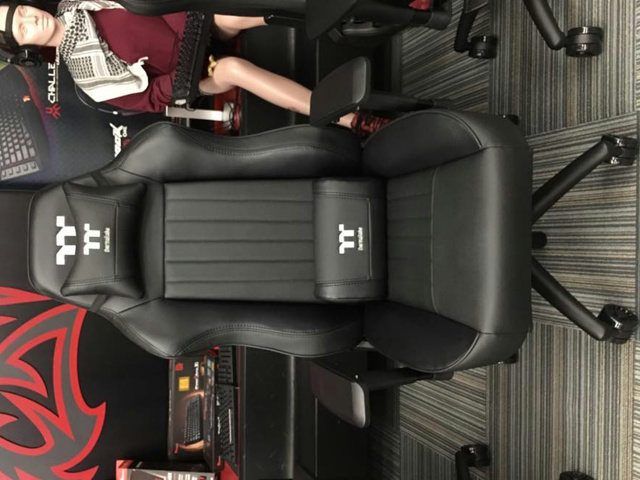 Tt_eSPORTS_Gaming_Chair_03.jpg