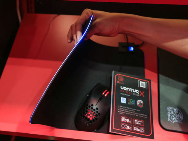 TteSPORTS_New_Products_04.jpg