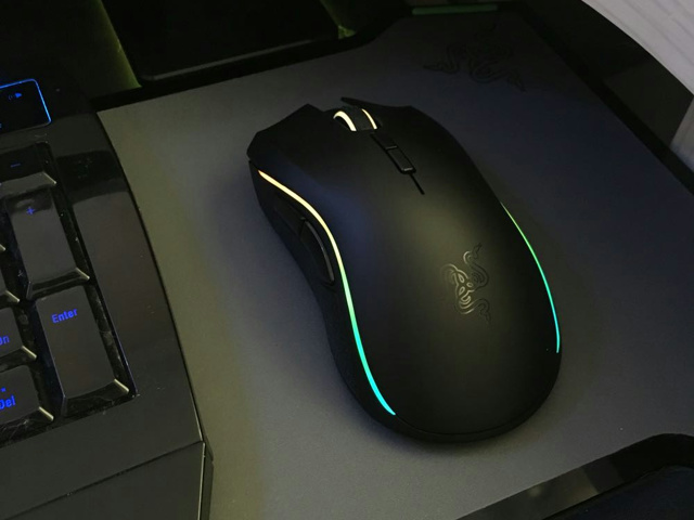 Wireless_Gaming_Mouse_201604_05.jpg