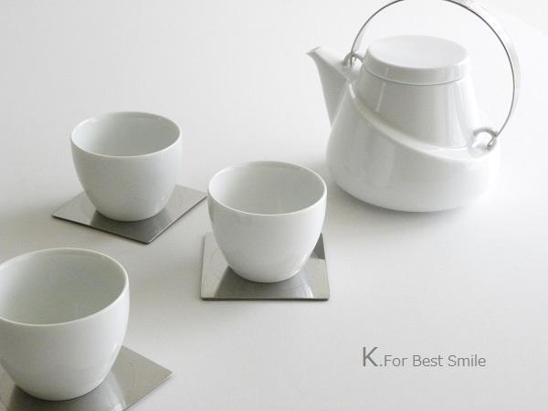 06>テーブル小物類の収納