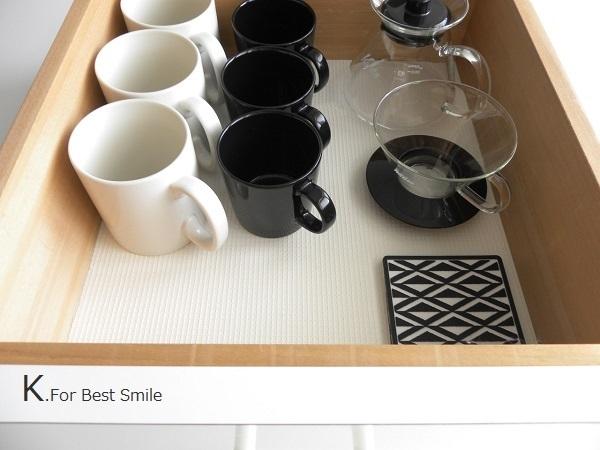 08>テーブル小物類の収納