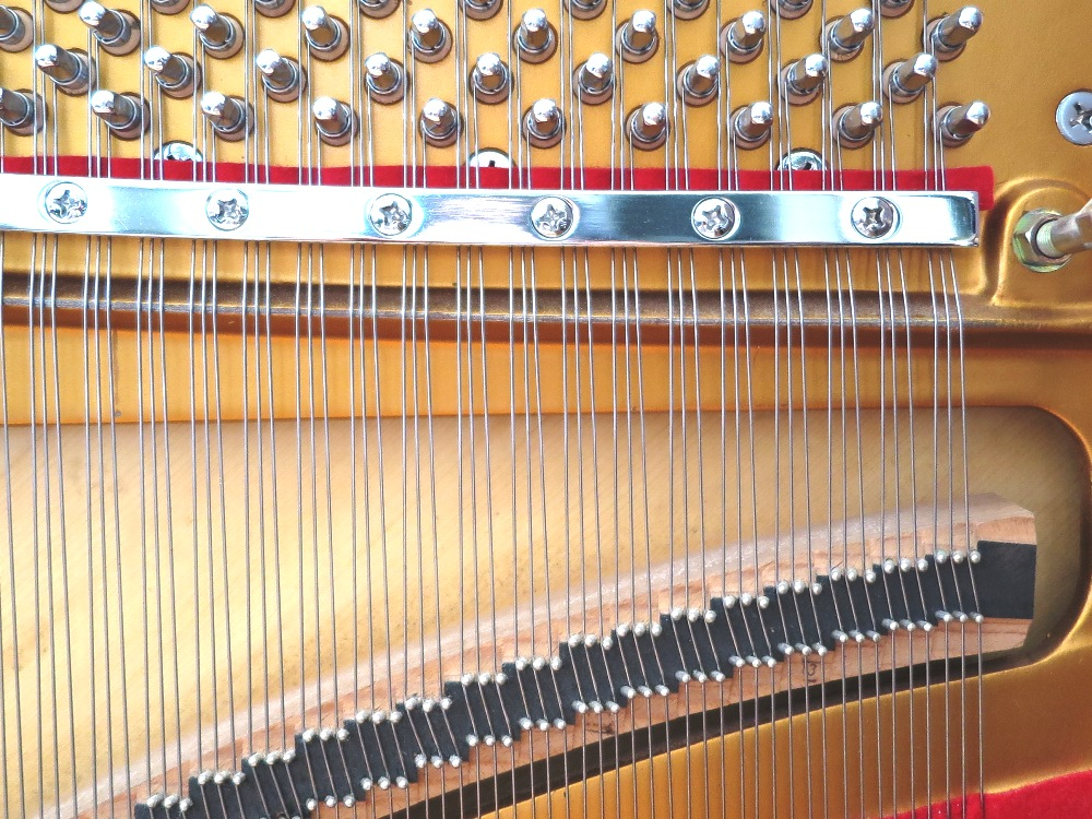 一般ピアノの駒