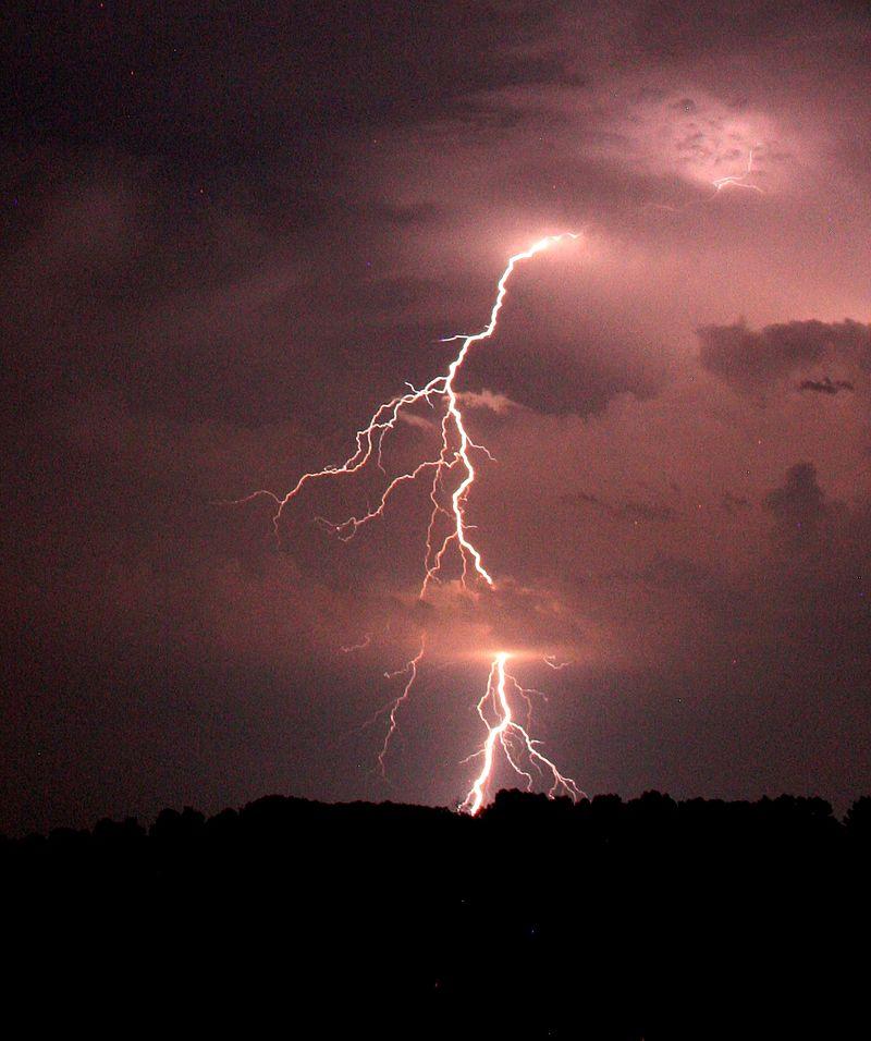 800px-Staccoto_Lightning.jpg