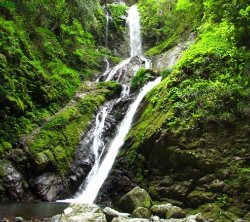 スマホ用 4652雨乞の滝雌滝960×854.jpg