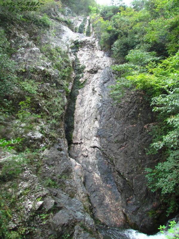 7915水の無い竜門の滝160910.jpg
