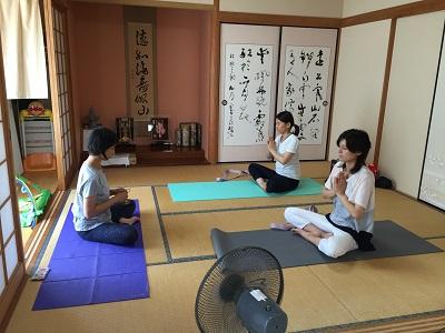 yoga2016080403.jpg