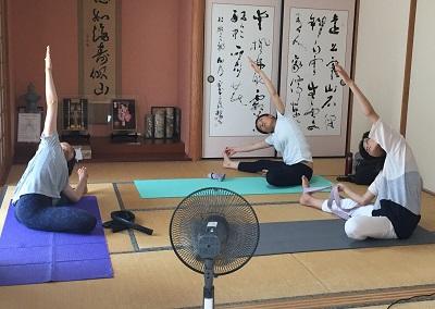 yoga2016080406.jpg