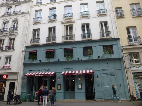 パリで女子会ランチは Odeon そばのイタリアンMargherita!