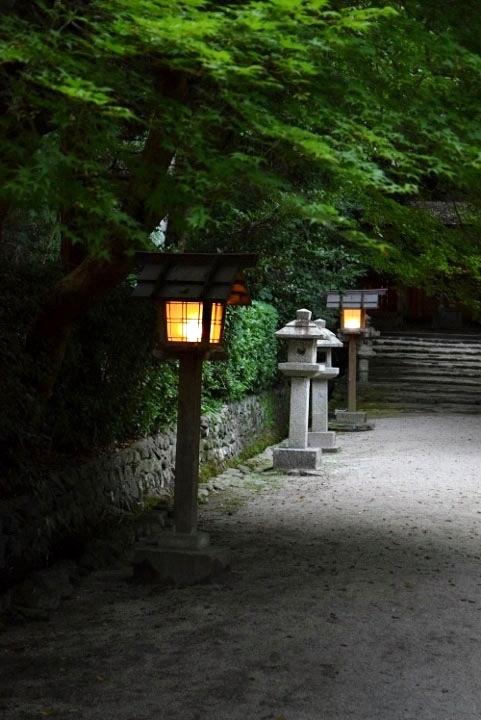 大田神社灯篭