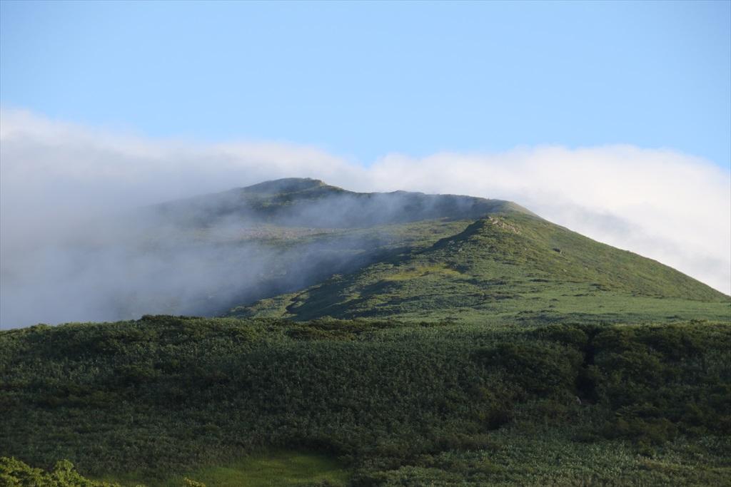 あっという間に山頂に雲が湧きだした_1