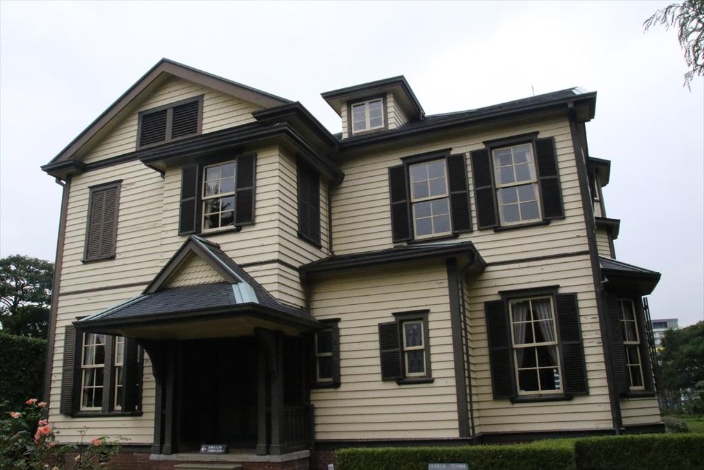 外交官の家(1)_正面玄関側