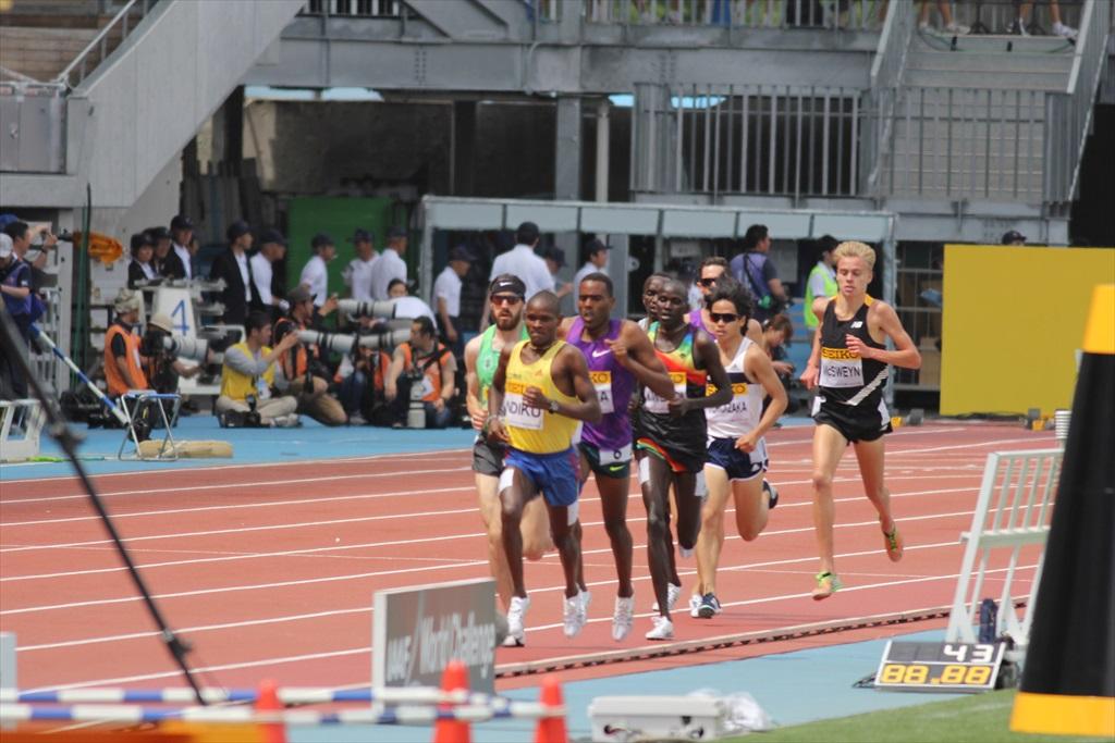 男子3000m(2)レース中盤の戦い_22