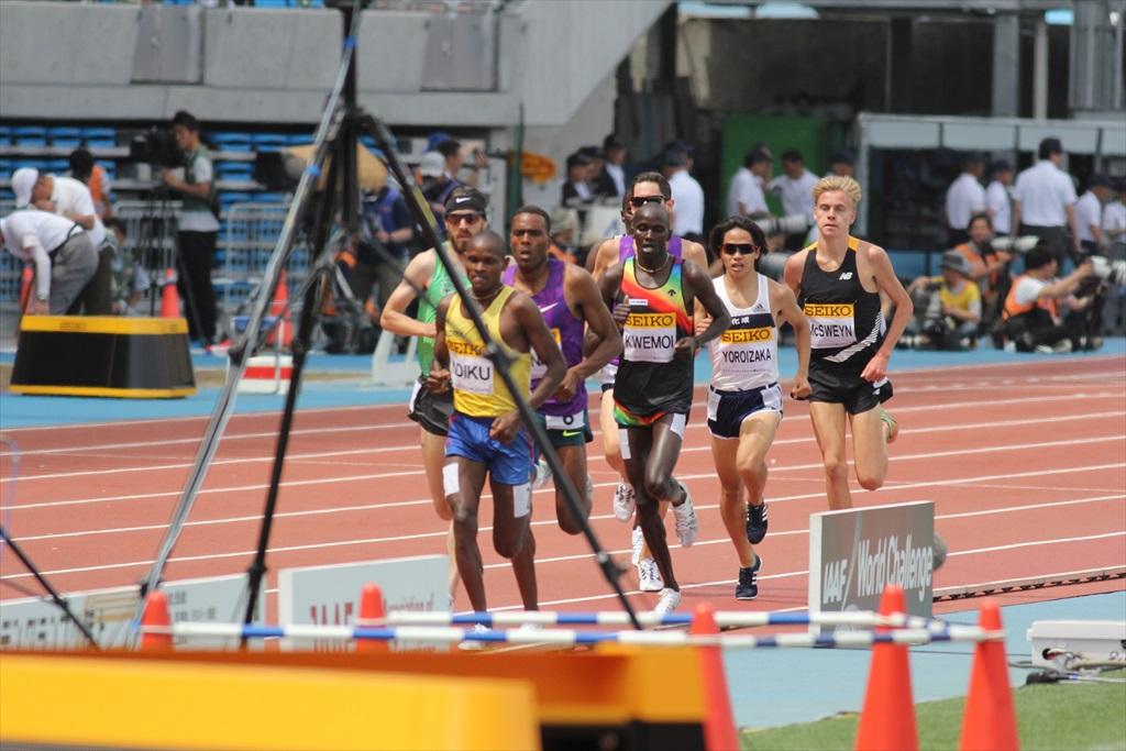 男子3000m(2)レース中盤の戦い_24
