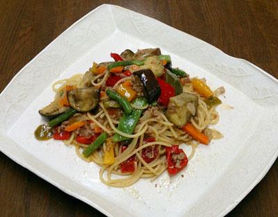 彩り野菜と挽き肉のスパゲッティ