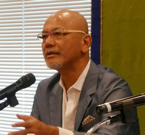 Cn4yZj-VIAAih7t琉球大の我部政明教授が日本記者クラブで。