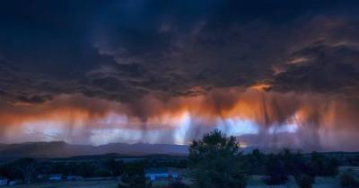 米コロラド州のロッキー山脈の東麓で