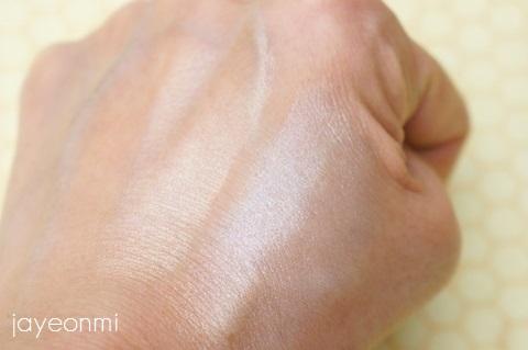 its skin_ウォーターフル ハイライター ポリッシュ_blog (4)
