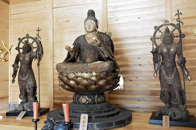 福光園寺~主尊・吉祥天坐像と脇侍・持国多門天像