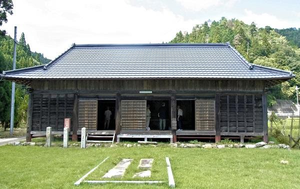 安楽寺のお堂