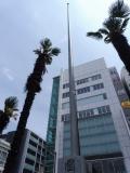JR亀戸駅 「國旗を愛しましょう」 国旗掲揚塔