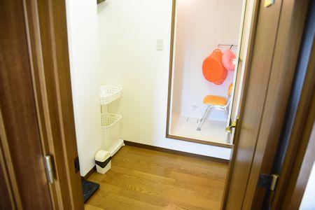 sansan_showerroom_1608.jpg