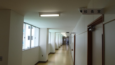 本庄第一中学校 廊下