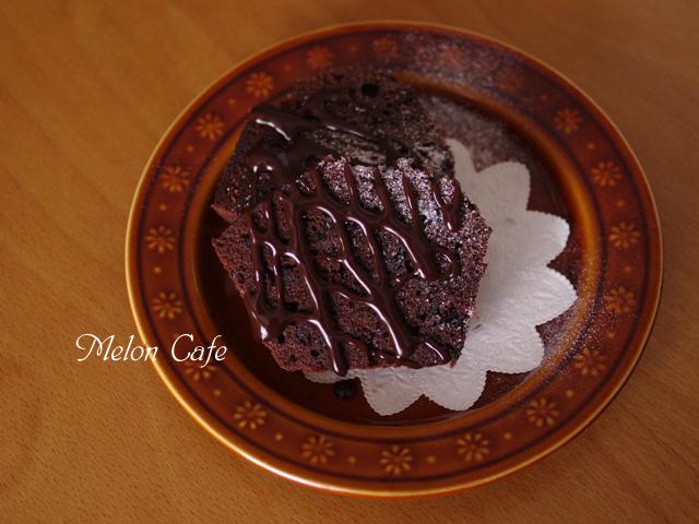 チョコチップ入りココアパウンドケーキ