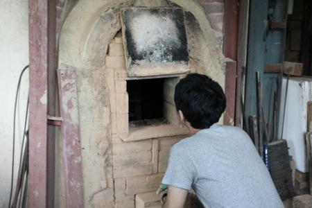 鳴瀧窯を開ける瞬間
