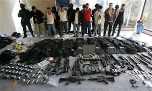 メキシコの麻薬組織の装備