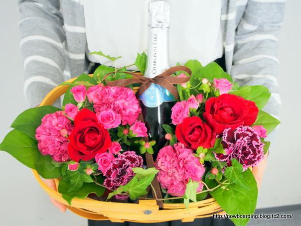 スパークリングワインとアレンジメントのセット  ギフト プレゼント 日比谷花壇 結婚記念日