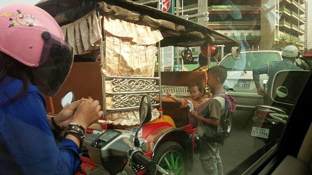 カンボジア 物乞い