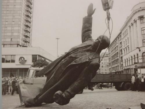 25年前のソ連崩壊、そして、現在の中華人民共和国の崩壊