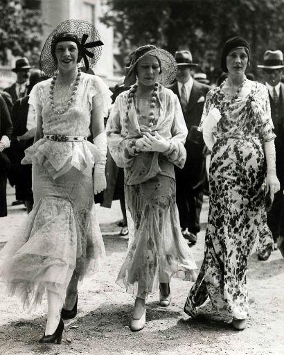 1930s-fashion-women_512.jpg