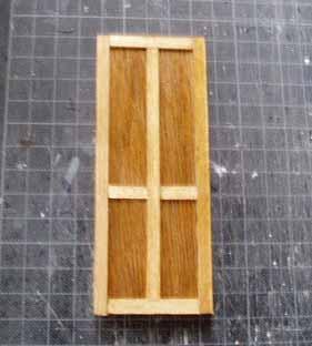 最初のドア