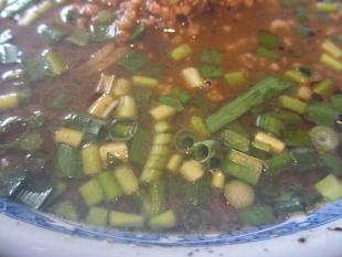飛鳥 黒胡麻担々麺 具 (2)