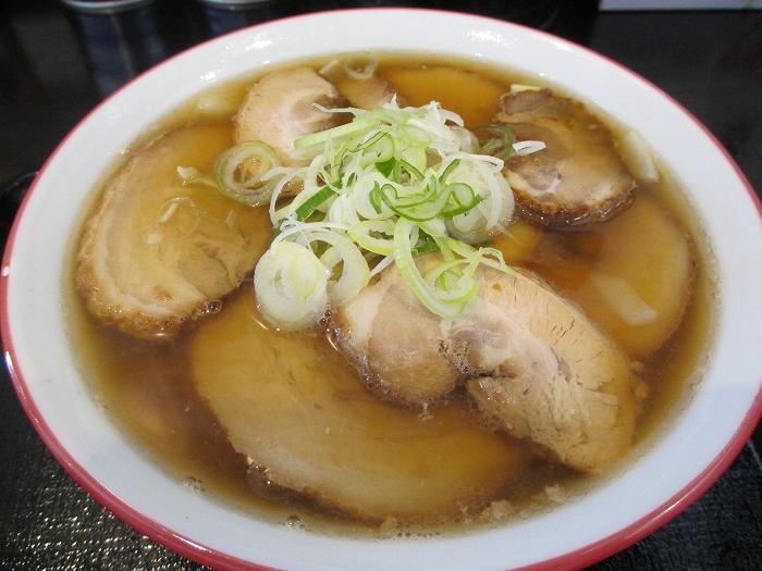 坂新 醤油チャーシュー麺