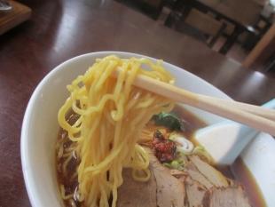 大江戸県庁前 醤油ラーメン 麺