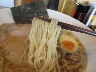 愛心 金色煮干中華ソバ 麺