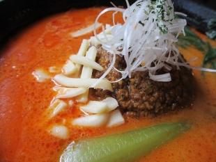 太威 チーズ味噌担々麺 具
