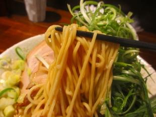 吉風赤道 九条葱ラーメン 麺