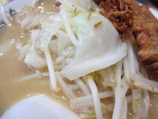 満里新津 味噌豚骨ラーメン 具 (2)