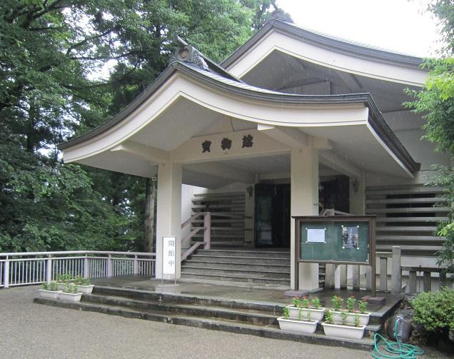 白山ひめ神社宝物館